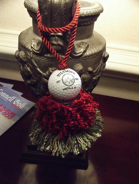 [Image: Beautiful handmade tassel for all golf lovers! Unique design in colors red and green, perfect accent piece for any decor. ]